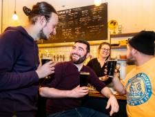 Omfietsen voor lekkernijen: Bier met rookworstsmaak bij de Kromme Haring