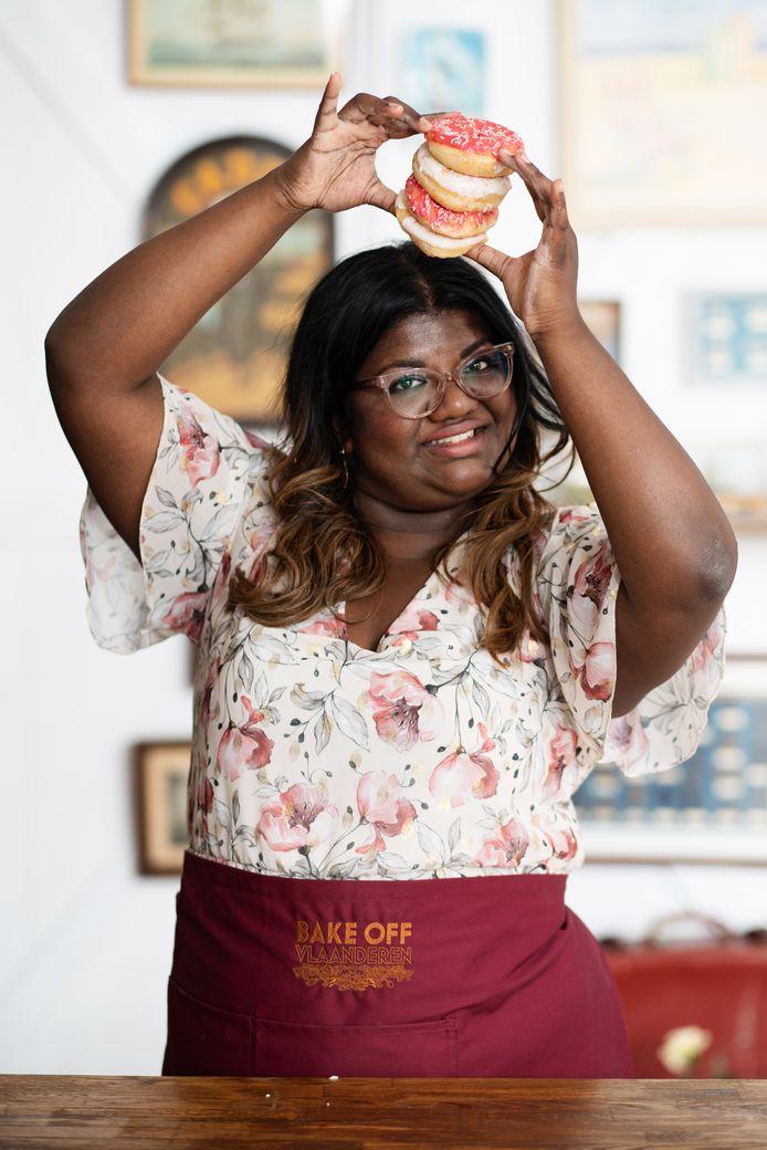 """Asha: """"Mijn handelsmerk zijn baksels vol kleur en sterke smaken. Die weerspiegelen mijn roots en vrolijke persoonlijkheid."""""""