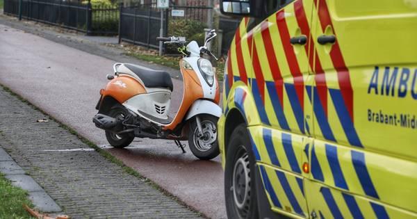 Snorfietser ernstig gewond bij ongeval in Berghem, traumaheli landt voor slachtoffer.