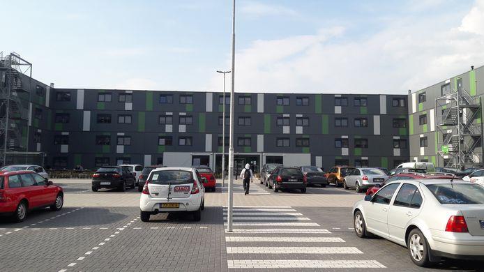 De gemeente Boxtel wil de komende drie jaar 800 arbeidsmigranten onderbrengen in complexen met een capaciteit van 150 tot 400 slaapplaatsen. Op de campus voor arbeidsmigranten in Waalwijk (foto) is plaats voor 400 mensen.