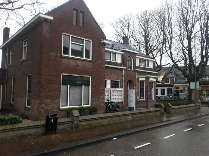 De villa aan de Tilburgseweg met op de achtergrond de Dorpsstraat.