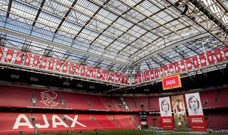 De onthulling van het nieuwe logo van de toekomstige Johan Cruijff Arena.  Beeld EPA