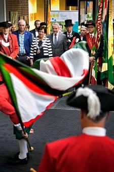 Vendelgroet bij afscheid burgemeester Anja Thijs van Eersel