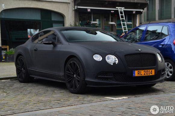 Romelu Lukaku's matte Black Bentley