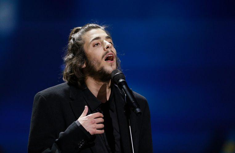 Salvador Sobral tijdens het Eurovisie Songfestival van 2017. Beeld EPA