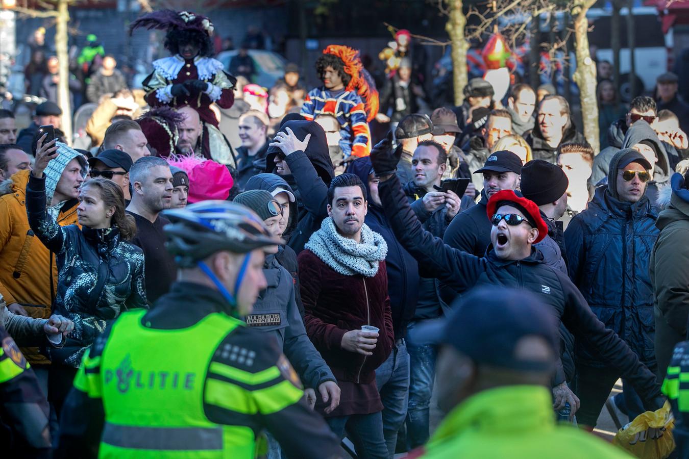 Eindhoven tegen demonstratie door harde kern PSVsupporters tegen KOZP.