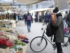 Mag dat, met je fiets aan de hand de markt over?