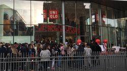 Uniqlo-gekte in Brussel: ellenlange rijen voor opening nieuwe winkel