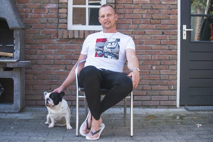 Jan Willem de Hoop liet zijn levensverhaal opschrijven in het boek 'De Derde Engel'.