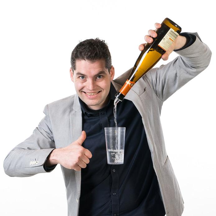 Goochelaar Alex Buijk (33) uit Roosendaal
