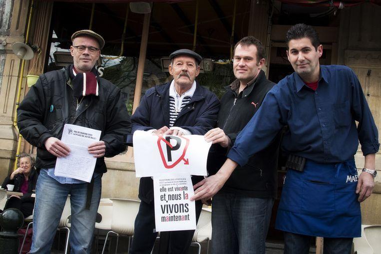 parking onder Vossenplein: buurtbewoners protesteren TEKST Amaury