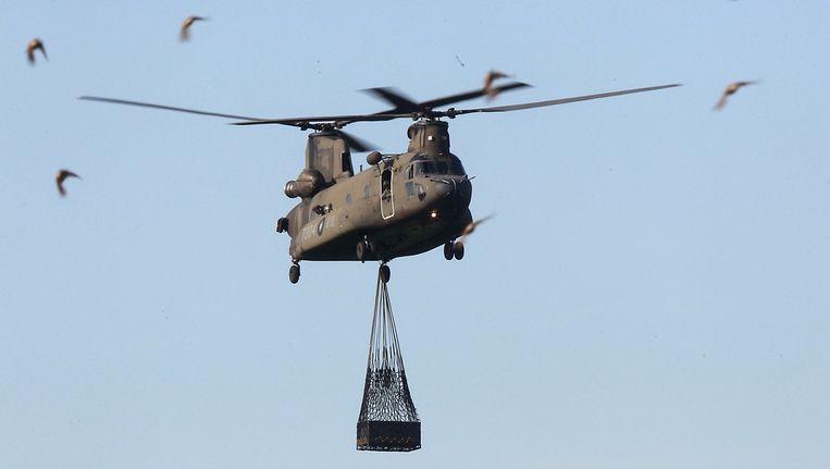 Een CH-47 Chinook helikopter Beeld reuters