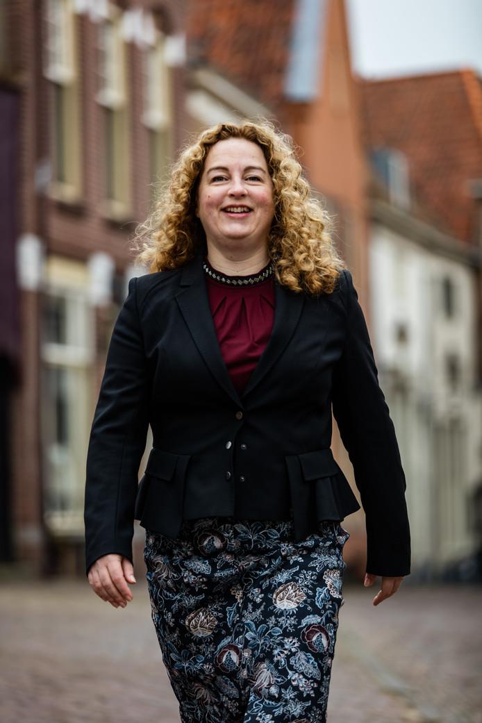Directeur Mieke Akkermans van KonnecteD stapt op om persoonlijke redenen.