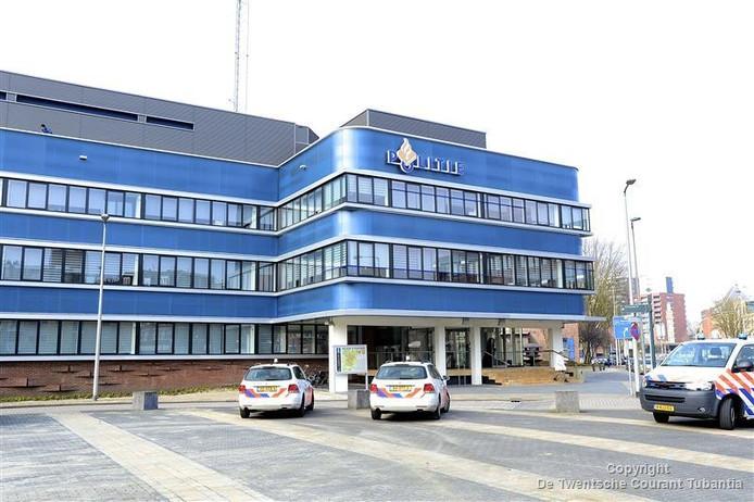 Het bureau in Enschede, waar alles zich zou hebben afgespeeld
