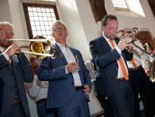 Kartrekker achter dweilfestival ontvangt enige lintje van gemeente Zutphen