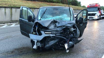 A12 richting Brussel weer vrijgegeven na ongeval met vijf voertuigen in Boom