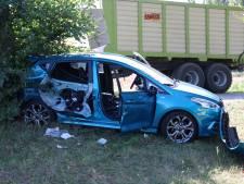 Bijrijder gewond doordat auto werd geraakt door tractor in Hoog-Keppel