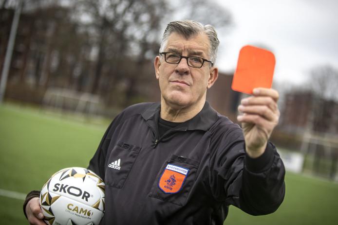 Hans van Wietmarschen is clubscheidsrechter bij SV Almelo. Hij werd met de dood bedreigd