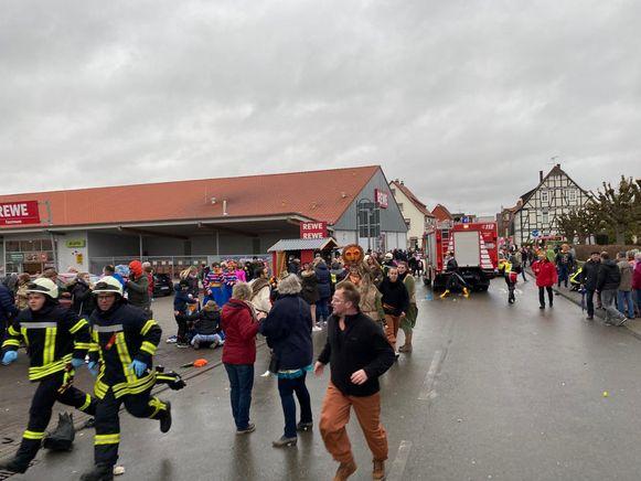 Van de dertig gewonden zijn er zeven mensen zwaargewond. Ze werden met ziekenwagens en helikopters overgebracht naar verscheidene ziekenhuizen.