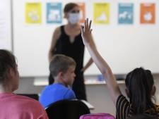 Des voix s'élèvent pour la fermeture des écoles, Caroline Désir l'exclut pour l'instant