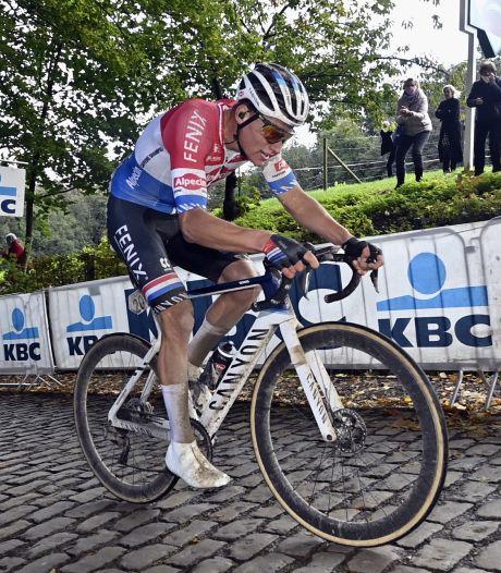 Van der Poel ambitieus voor Ronde van Vlaanderen: 'Het liefst kom ik alleen aan'