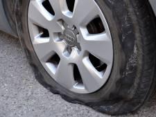 Autobanden lek gestoken in Beuningen: 'Ik durf mijn auto niet meer voor de deur te zetten'