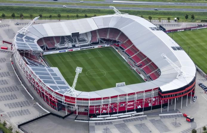 Het stadion van AZ, deels ingestort.