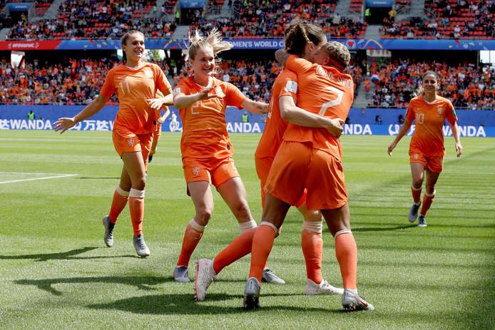De Leeuwinnen tijdens de wedstrijd tegen Kameroen.