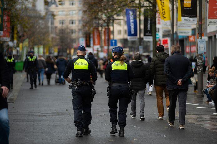 Ook de politie hield toezicht op de Meir.