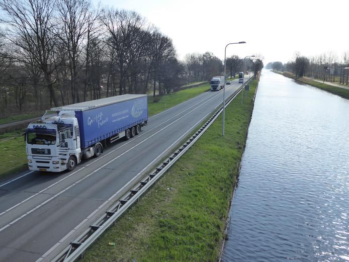 Voorbij de Corridor in Veghel richting Asten blijft de N279 in de huidige variantenstudie en mer-studie eenbaans weg in elke richting.
