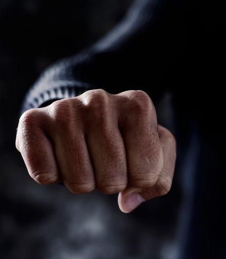 Zware mishandeling bij vechtpartij tussen twee groepen in Etten-Leur
