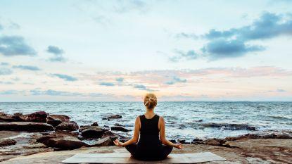 6 yoga-oefeningen die je rechte schouders geven