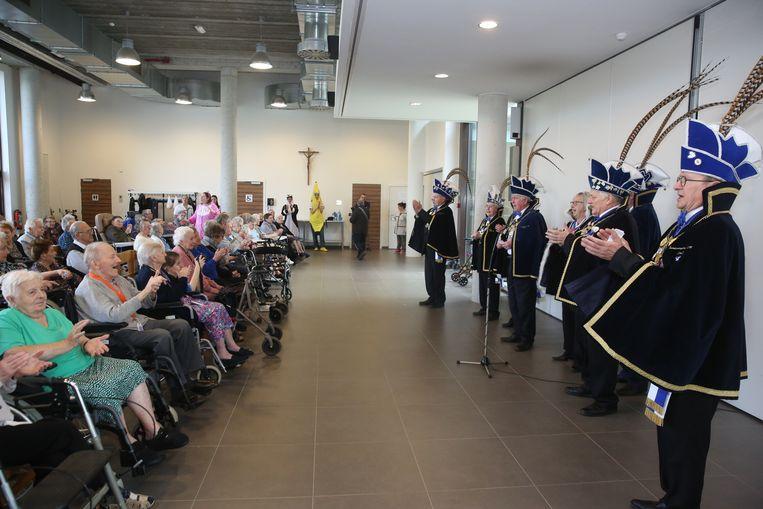 De Orde van Senioren bezocht het carnavalsfeestje in woonzorgcentrum Sint-Antonius