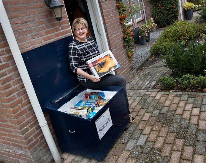 Puzzelruilen in Bakel bij Marjo van der Wallen.