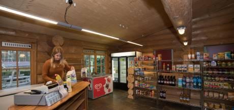 Elburg schuift besluit over sluiten campingwinkels op zondag voor zich uit