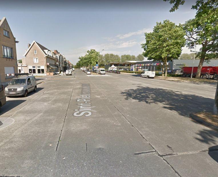 Er zijn nu geen fietspaden in de Sint-Pieterszuidstraat.