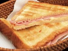 Lunch en post ineen in pand in Belleman in Dommelen