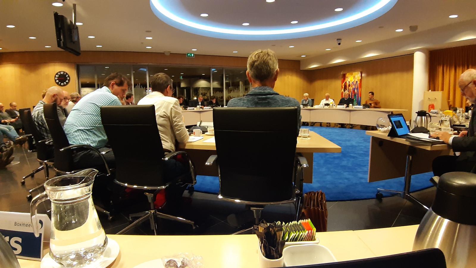De raad van Boxmeer tijdens een eerdere vergadering. Fysiek in de raadszaal.