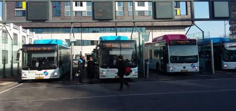 Geen extra controles van scholieren in bus en trein