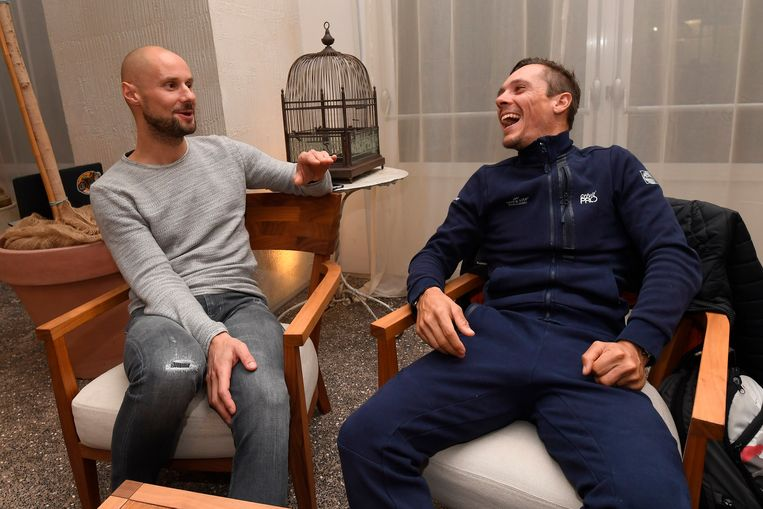 Vorig jaar voor de start van Milaan-Sanremo: Boonen in gesprek met een lachende Gilbert.