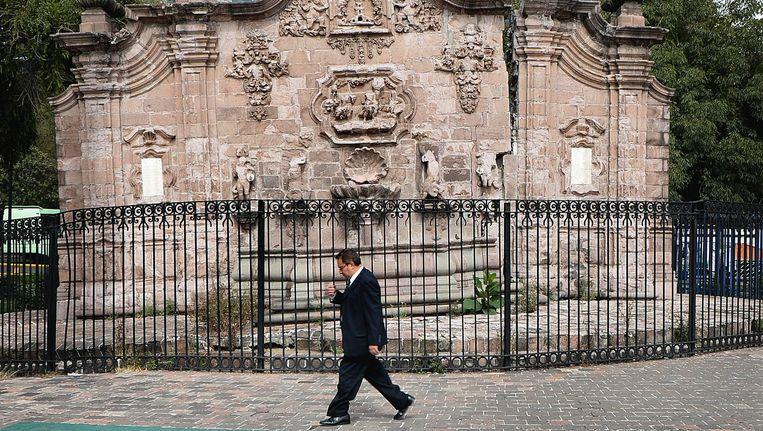 De Fuente de Chapultepec, het beginpunt van het aquaduct dat oorspronkelijk door de Azteken werd gebouwd om water naar de stad te brengen. Het ligt nu midden in Mexico-Stad. Beeld Marcel Van Den Bergh