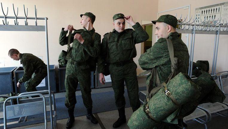 Russische dienstplichtigen in Sint Petersburg, afgelopen dinsdag. Beeld afp