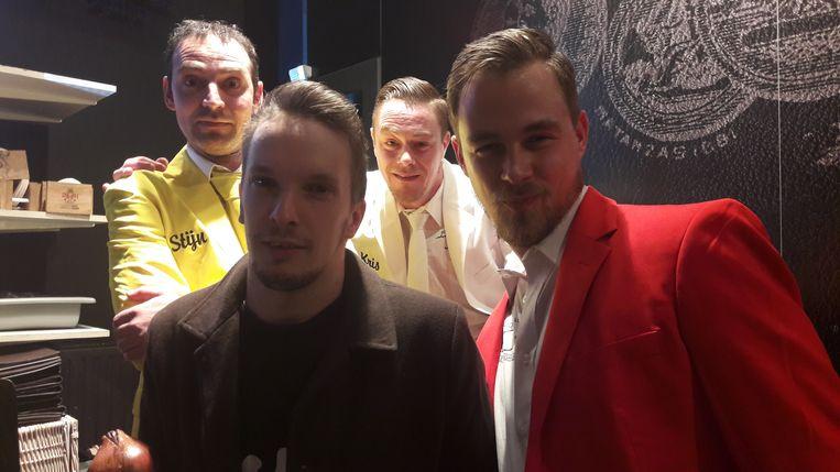 De mannen van Ewa Bekost met prins Alex.