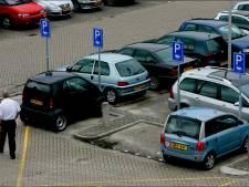 Capellenaren boos op medewerkers ziekenhuis: ze parkeren in hun wijkje en dat staat ze niet aan