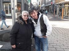 Tante Rikie op tournee met kaarten Zwarte Cross