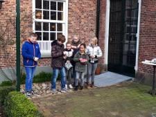 Ouderwets knikkeren in museum Borne