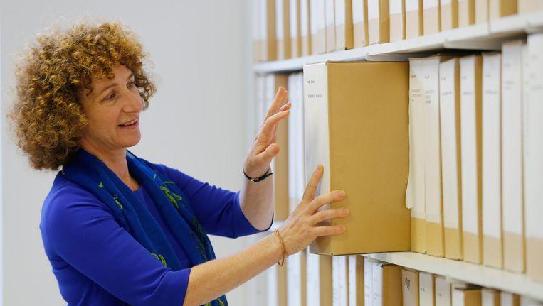 CIDI-directeur Hanna Luden liet weten de veiling 'stuitend en smakeloos' te vinden en vroeg het veilinghuis de portretten in te trekken Beeld anp