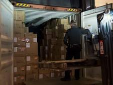 Verontreinigd papierafval onderschept in Rotterdamse haven