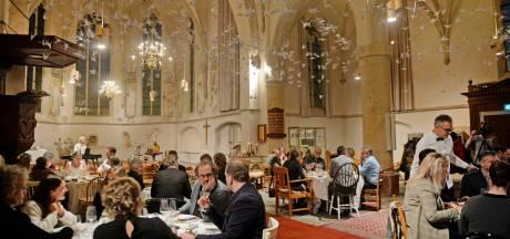 Pop-updiner in Hervormde kerk Eibergen: proeven van rivierkreeft
