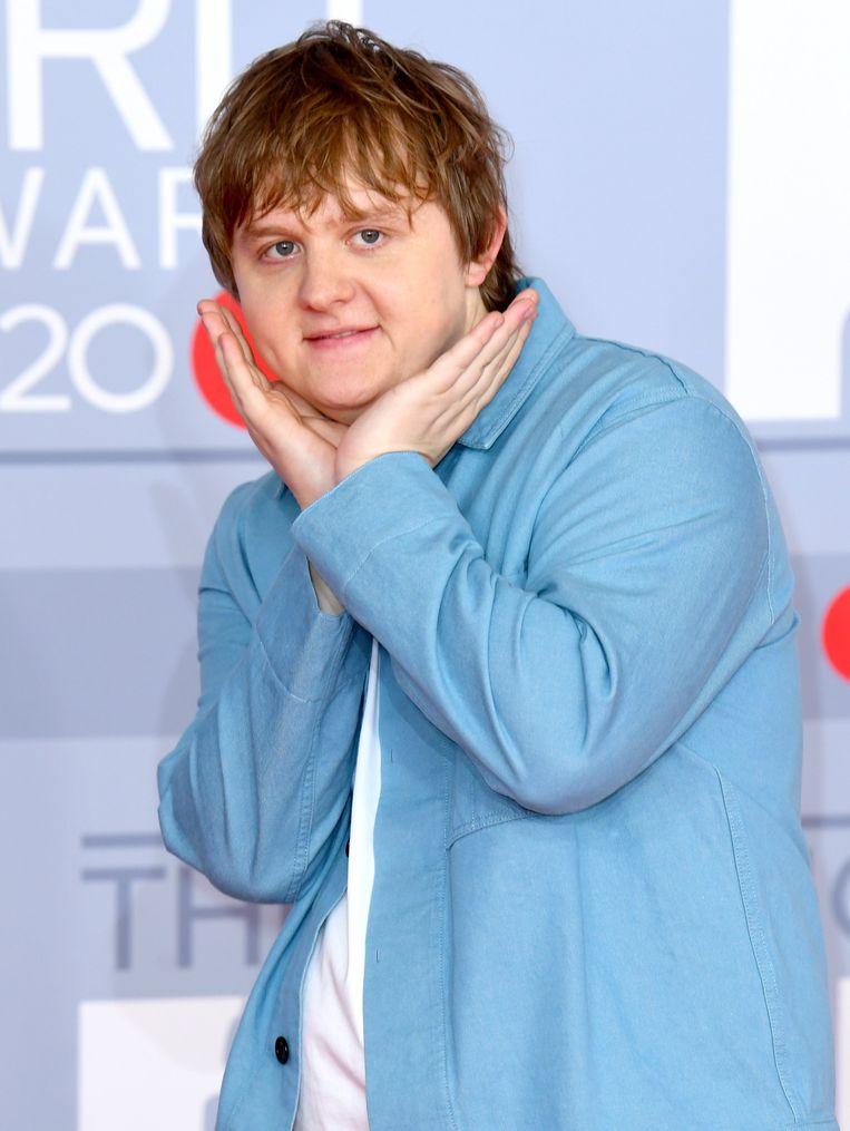 Op de rode loper van de Brit Awards 2020